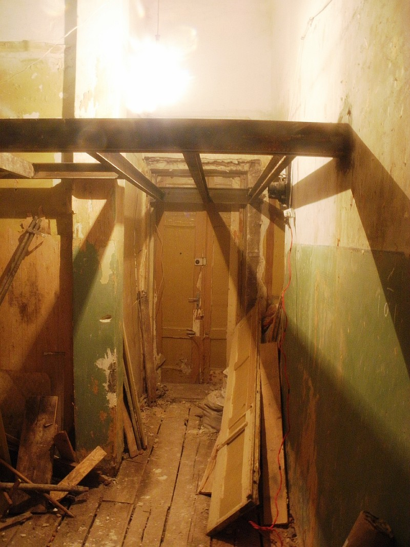 Устройство второго этажа в доме с высокими потолками