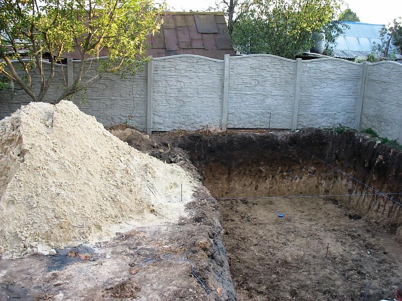 Песок для строительных работ уже на месте
