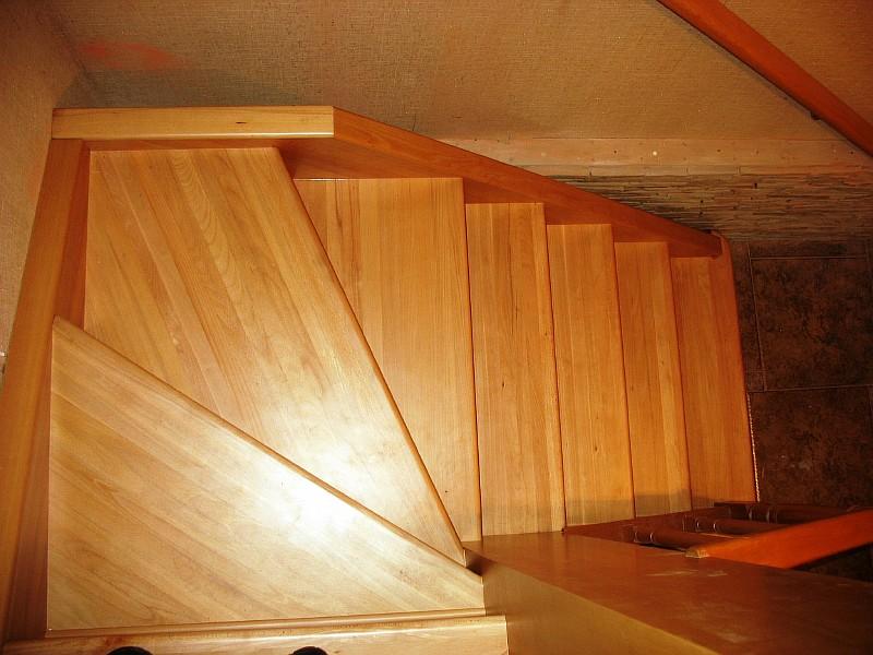 Фото 3 Вид лестницы сверху