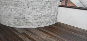 Поэтапное возведение открытой деревянной террасы в уровне второго этажа — фотоотчет