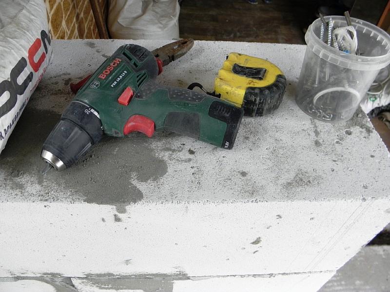Инструмент для использования при укладке газобетона