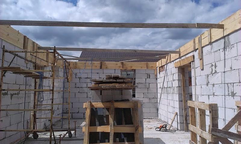Фото 6. Все подготовлено для укладки бетона монолитного железобетонного пояса