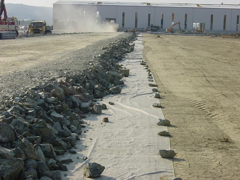 Фото 10. Применение геотекстиля в дорожном строительстве
