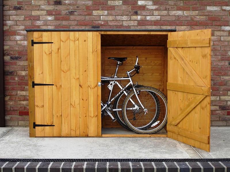 Фото 13 Деревянный гараж для велосипеда