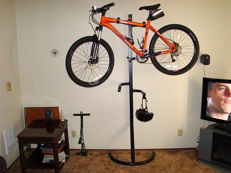Фото 9. Вешалка для велосипеда
