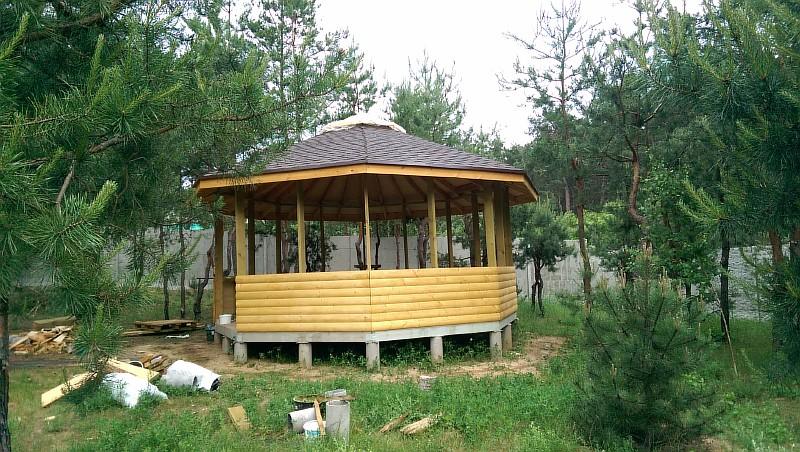 Обшивка стен деревянным блок-хаусом