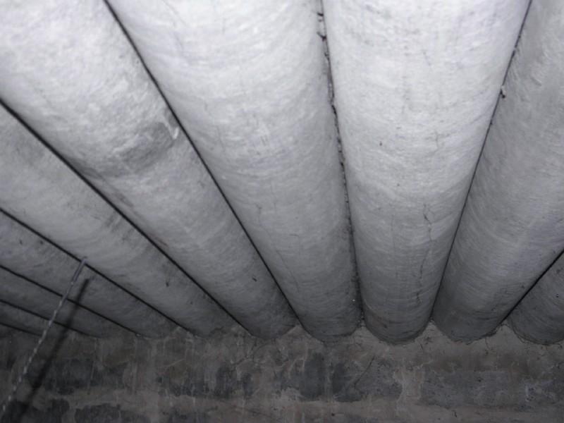 Повторное применение асбестоцементных труб для покрытия гаража