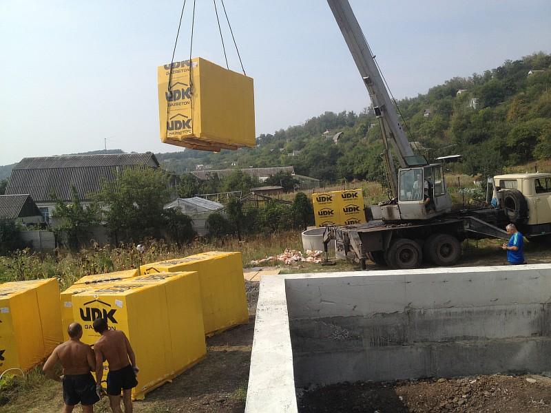 Газобетонные стеновые блоки доставлены на строительную площадку