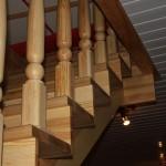 Изготовление и монтаж деревянной лестницы из сосны в Харькове — фотоотчет