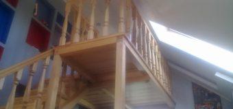 Детская деревянная антресоль с лестницей