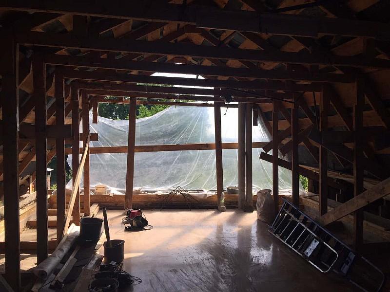 Существующие стропильные конструкции мансарды дачного дома
